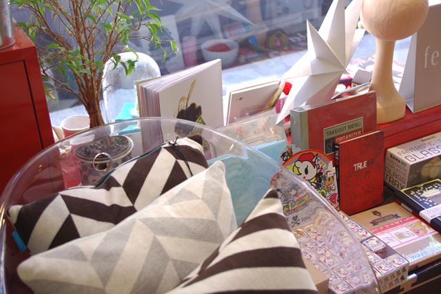 2 days in paris part 2 mini city guide. Black Bedroom Furniture Sets. Home Design Ideas
