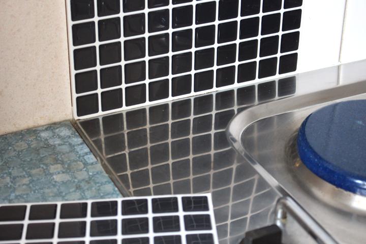 smart tiles nouveau look pour une nouvelle cuisine. Black Bedroom Furniture Sets. Home Design Ideas