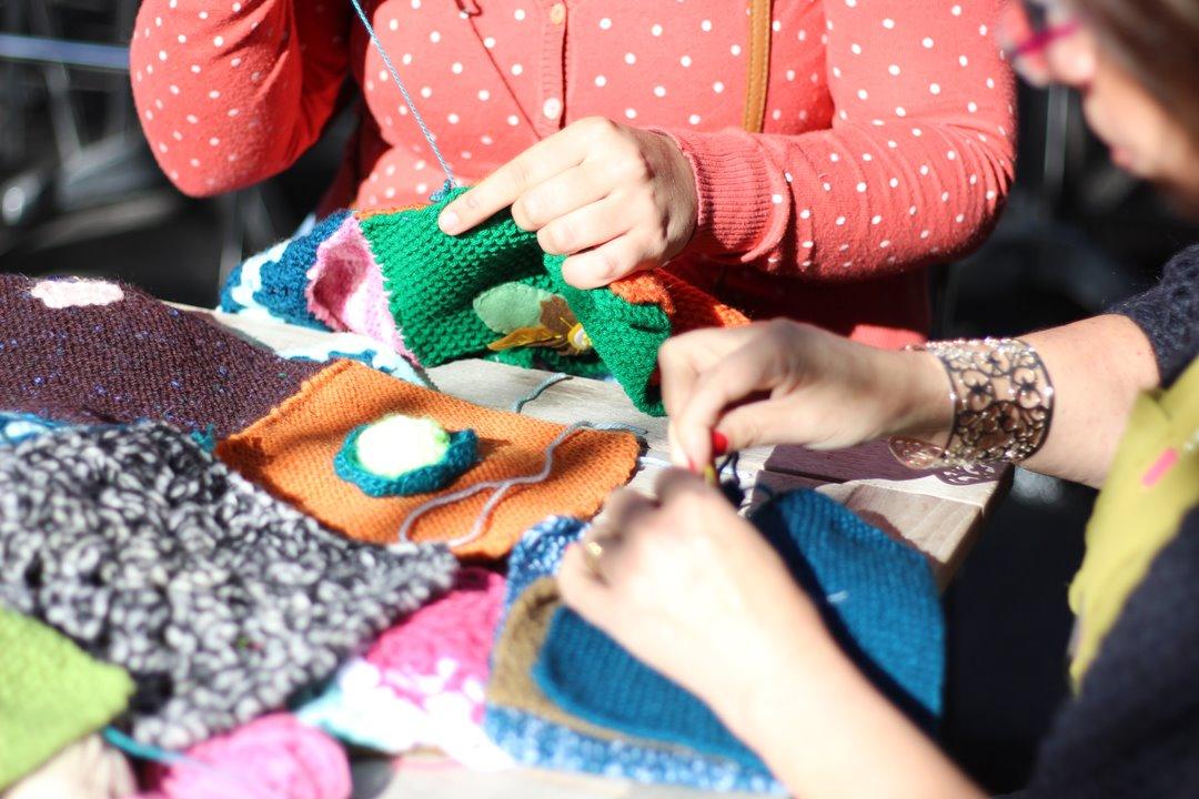 tricotgraphie-kiosko-2-yarnbombing-nantes